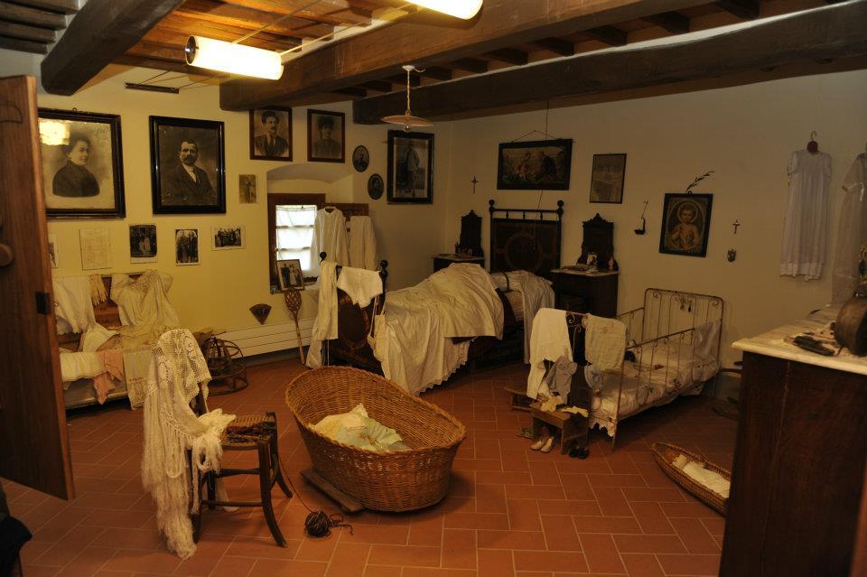 Simbdea casa di zela for Interni di case antiche